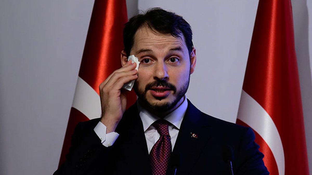 Gazetecilik adına utanç gecesi: Albayrak'ın istifa haberi görmezden geldiler